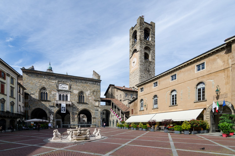 Visit Lombardy and its cultural heritage